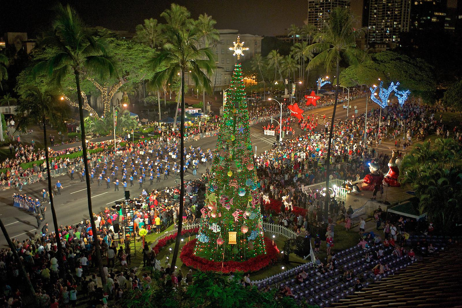 Honolulu Christmas Trolley 2021 Ringing In The Holidays Hawaiian Style Hawaiian Airlines